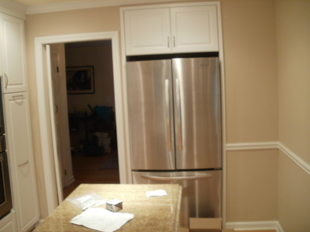 kitchen-remodel-GE-stainless-steel-fridge-granite-countertop-island