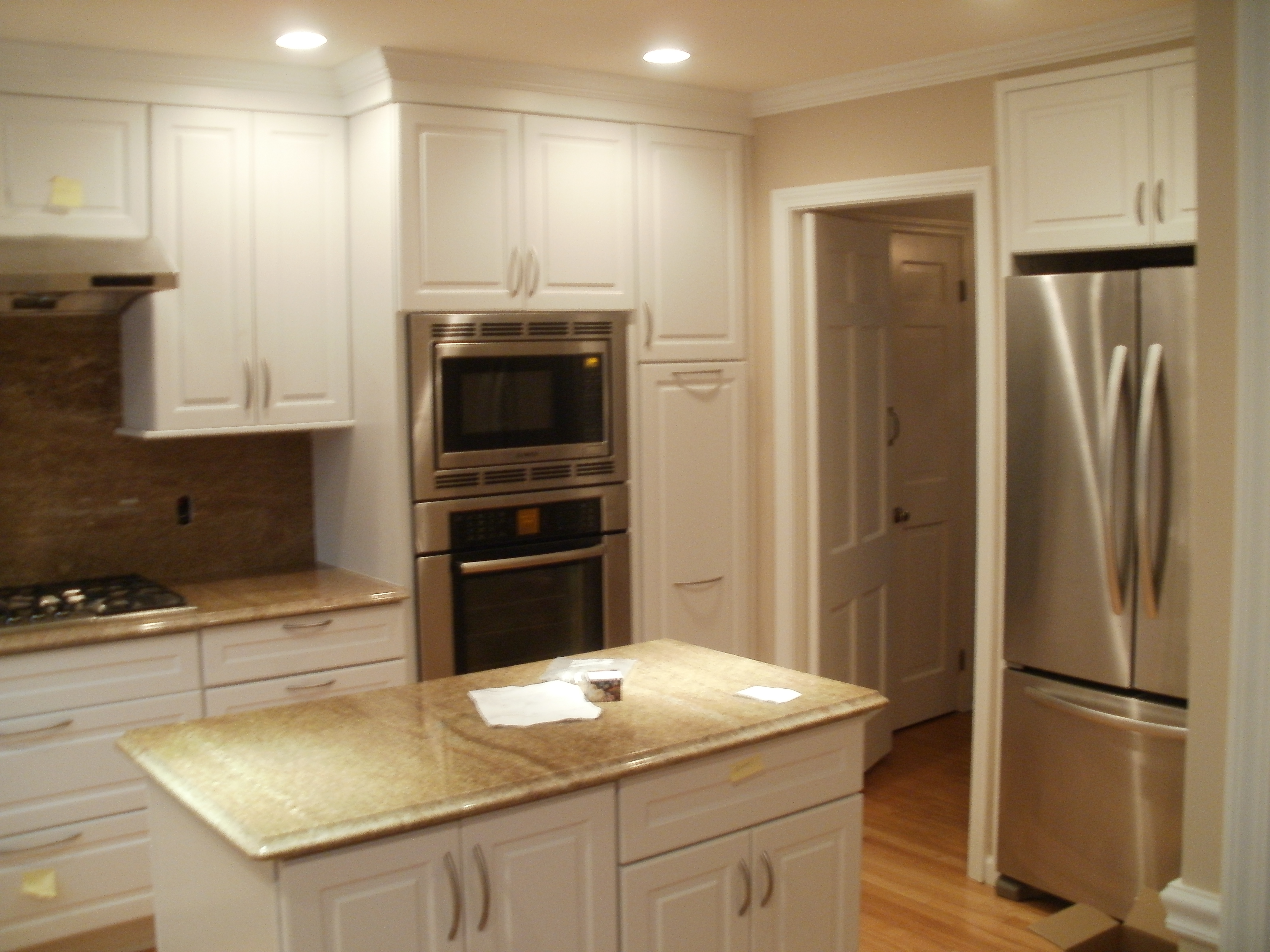 Case study 4 greenwich ct luxury kitchen remodel for Remodeling your kitchen